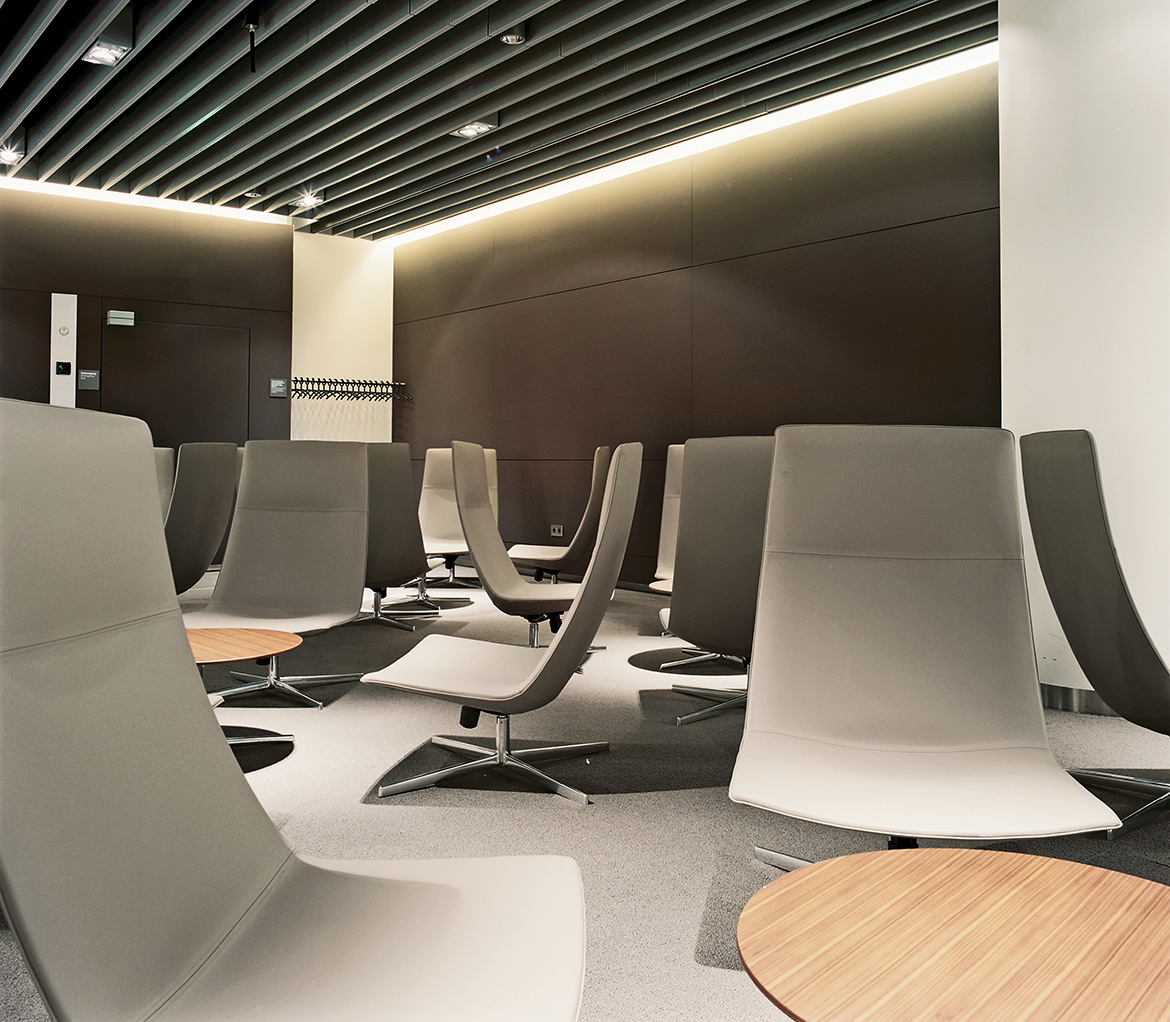 furniture waiting arper lufthansa senator lounge munich airport. Black Bedroom Furniture Sets. Home Design Ideas