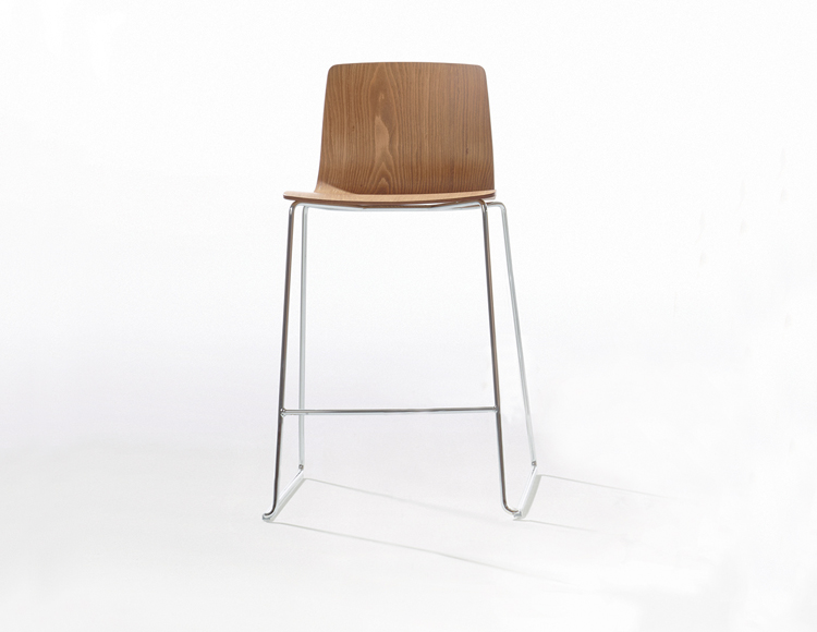 Aava — Counter stool - Aava Arper  1