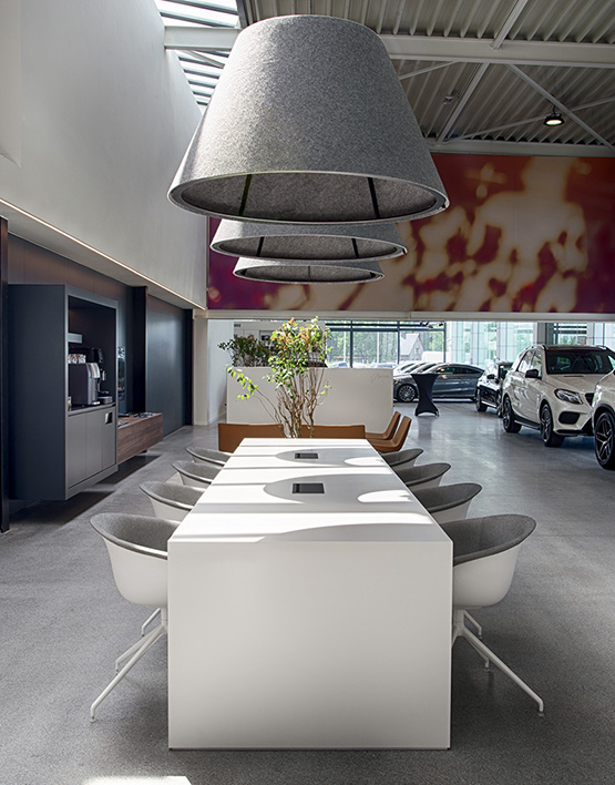 Mercedes-Benz Showroom - Arper
