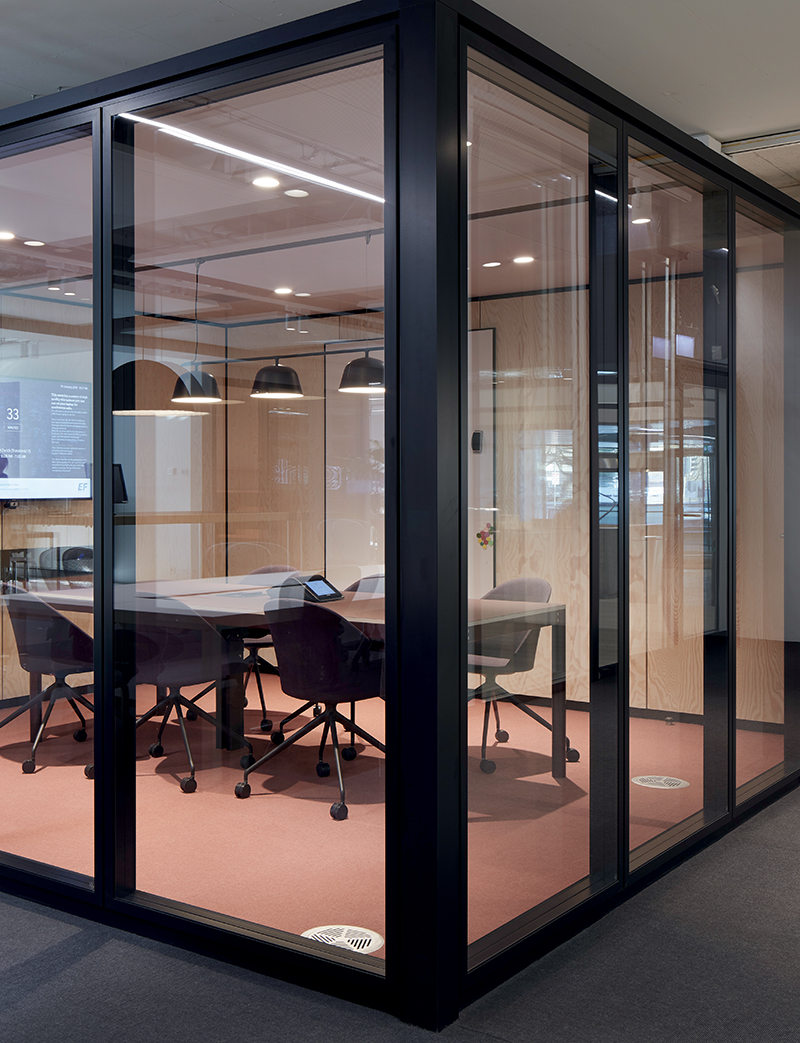 EF Education First Zurich Office - Arper